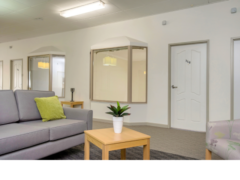 This beautiful one bedroom serviced apartment is sure to please! Live comfortably at the heart of Vermont Estate Retirement Village.