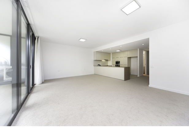 Large North Facing 3 Bedroom Apartment