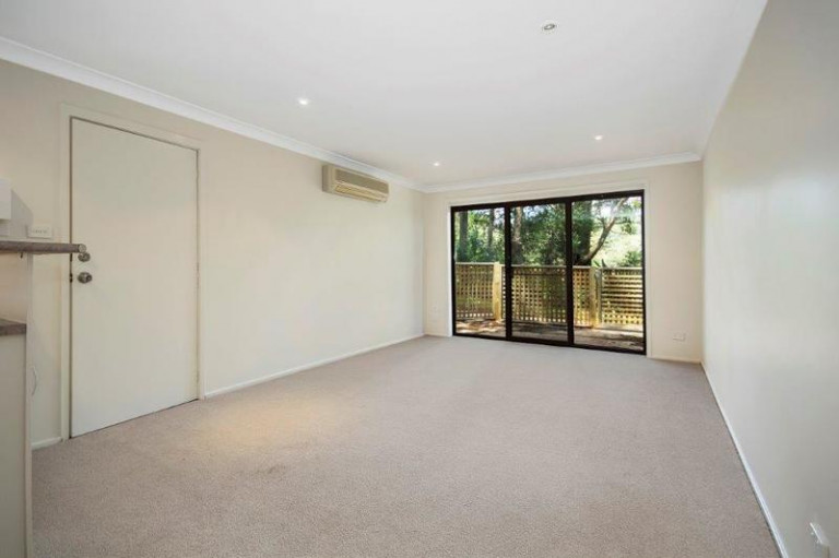 Lovely one-bedroom unit with private courtyard area.