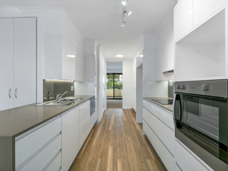 Inner city location close to all amenities