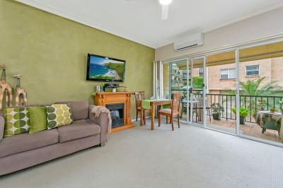 Superior 2 Br apartment with elevated outlook.