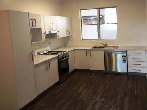 Comfortable 2 bedroom unit in the heart of Wallsend CBD