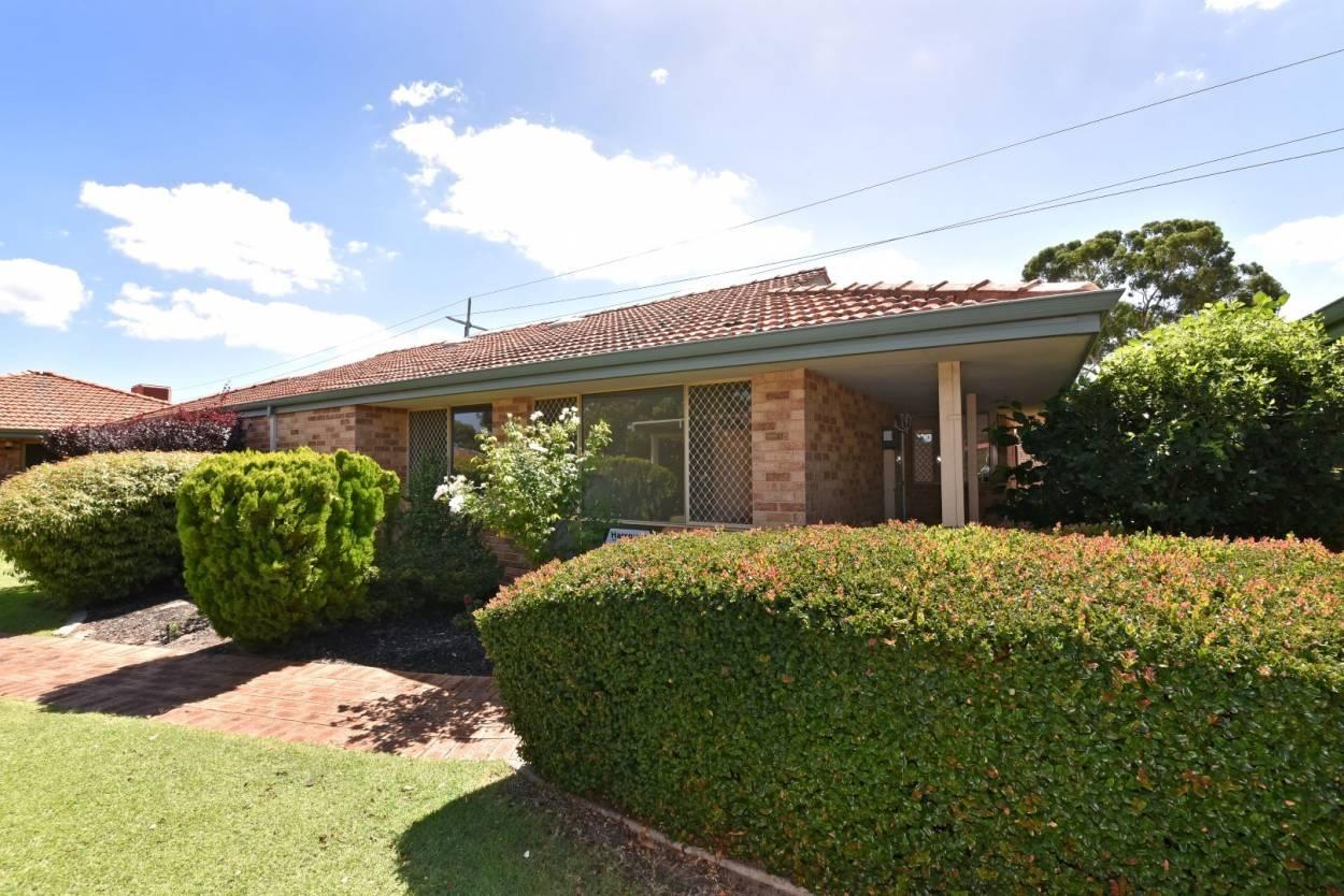 Villa 11 - River Pines Village Villa 11 25-27 Parkhill Way - Wilson 6107 Retirement Property for Sale