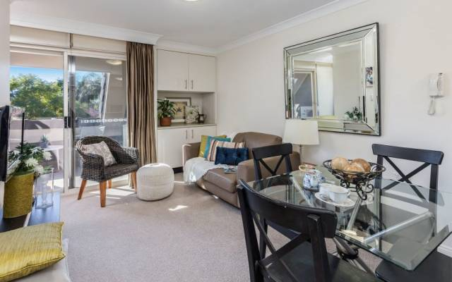 Stylish One Bedroom Independent Apartment