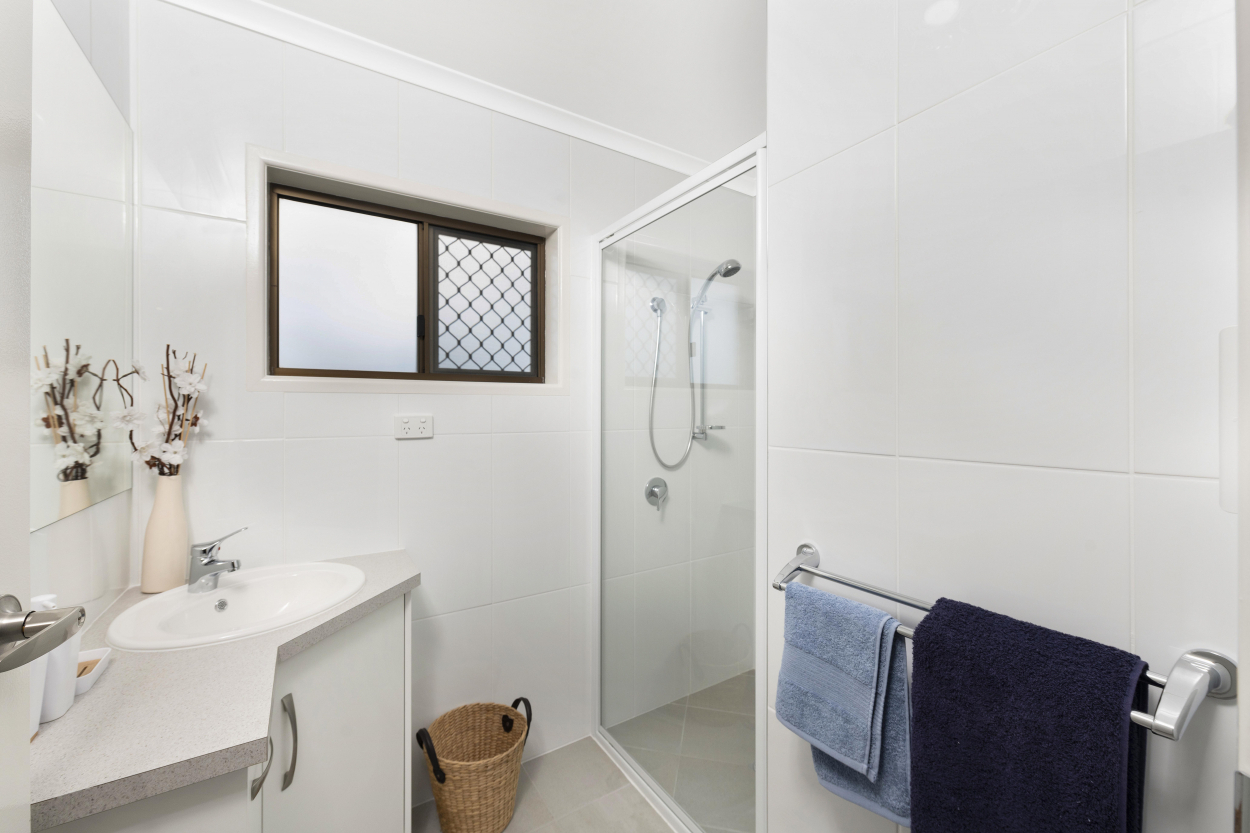 Beautiful two bedroom homes 90 Twyford Street - Avoca 4670 Retirement Property for Sale
