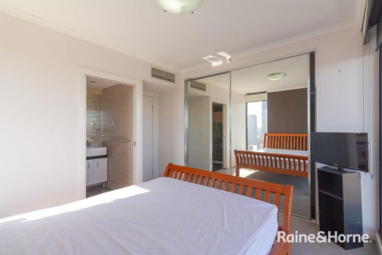 Furnished Apartment with PANORAMIC VIEWS!