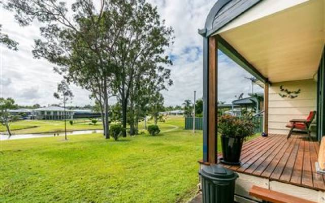 Modern, water views - Bethania, Palm Lakes