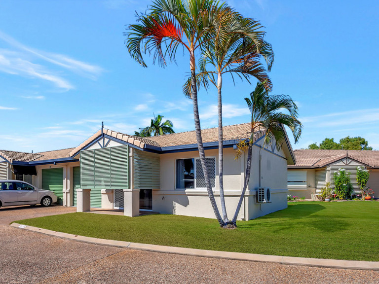 A hop and a skip to the beach  - Rowes Bay 135 - UNDER DEPOSIT