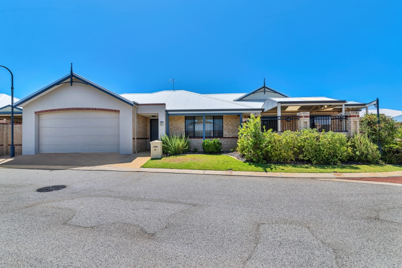 Villa 14 Proserpine Loop, Bethanie Waters Village