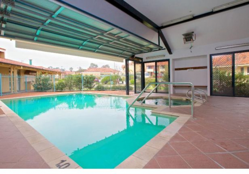 Moline Village is surrounded by parklands, within easy reach Karrinyup Shopping Centre and local transport