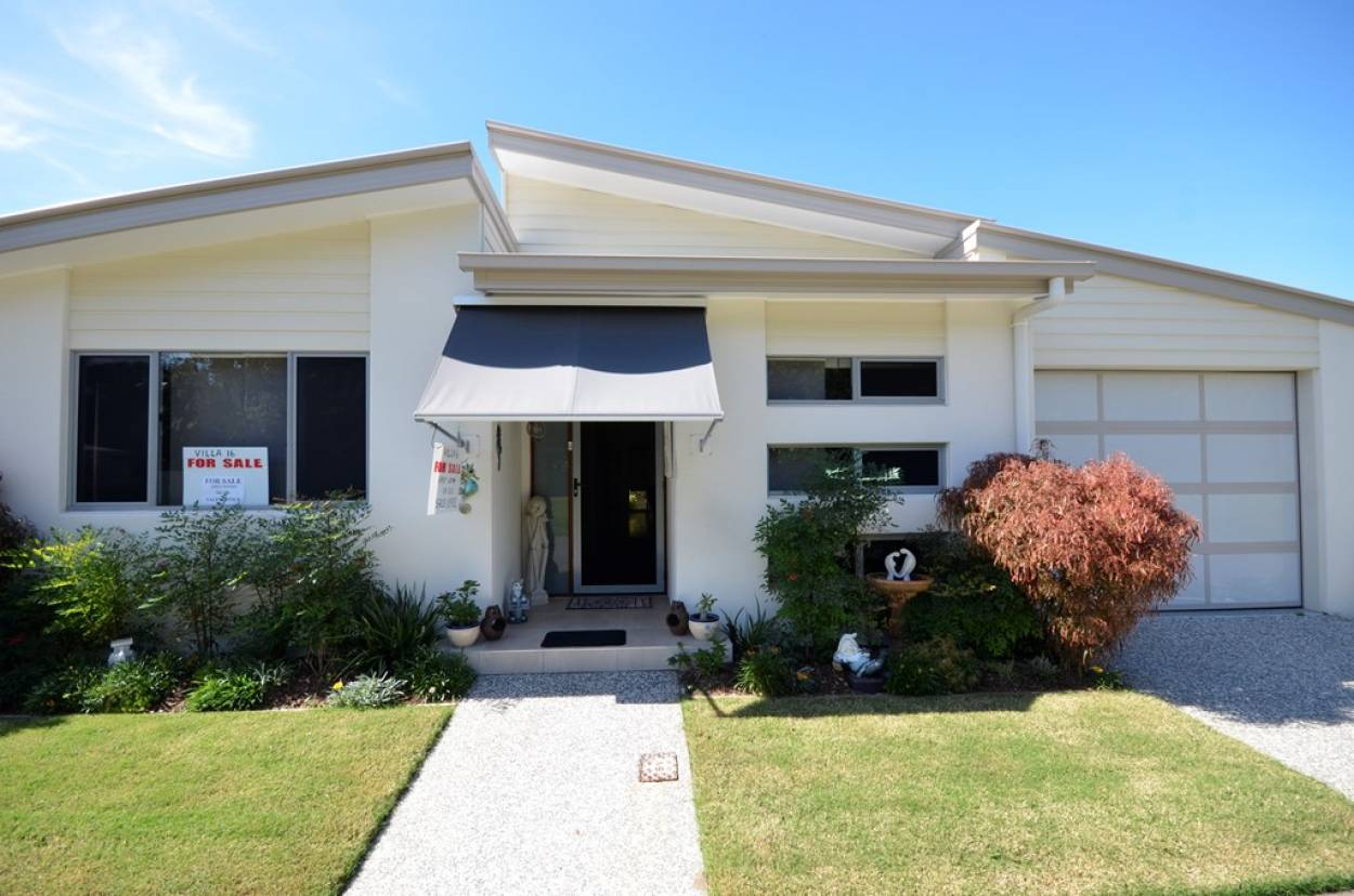 Palm Lake Resort – Tweed River is located on the waterfront at beautiful Barneys Point 2 Barneys Point Road - Banora Point 2486 Retirement Property for Sale