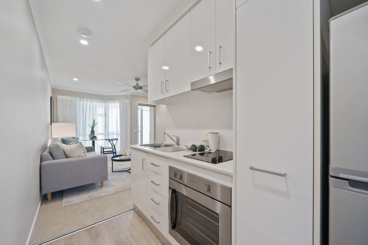 Refurbished one bedroom unit with prime position to community center