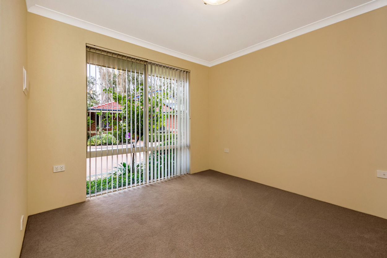 This recently refreshed villa is competitively priced and ready to move into now.