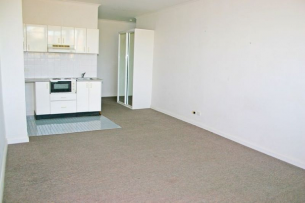 Bright & Sunny Studio In Central Manly