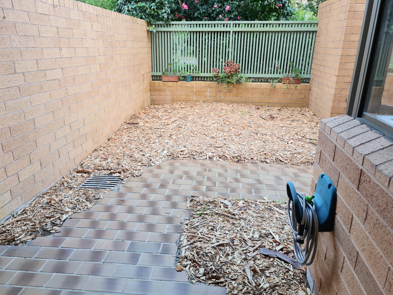 Quality Refurbished 2 Bedroom Unit in Great Location