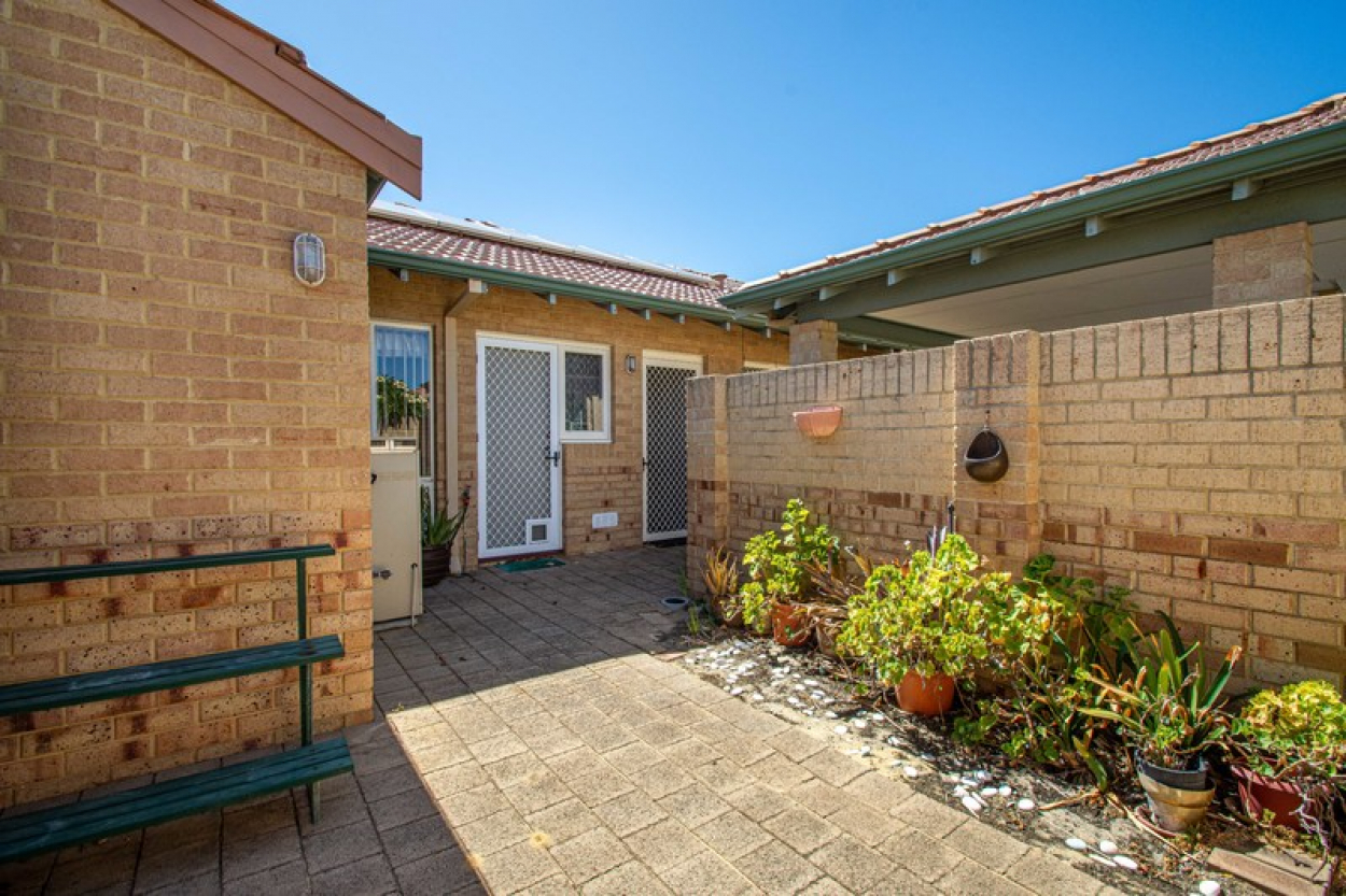 Great opportunity to secure a recently refreshed home – move in with nothing to do!