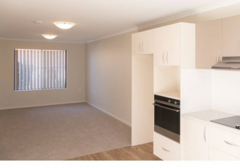 1 Bedroom re-furbished unit - Great Location