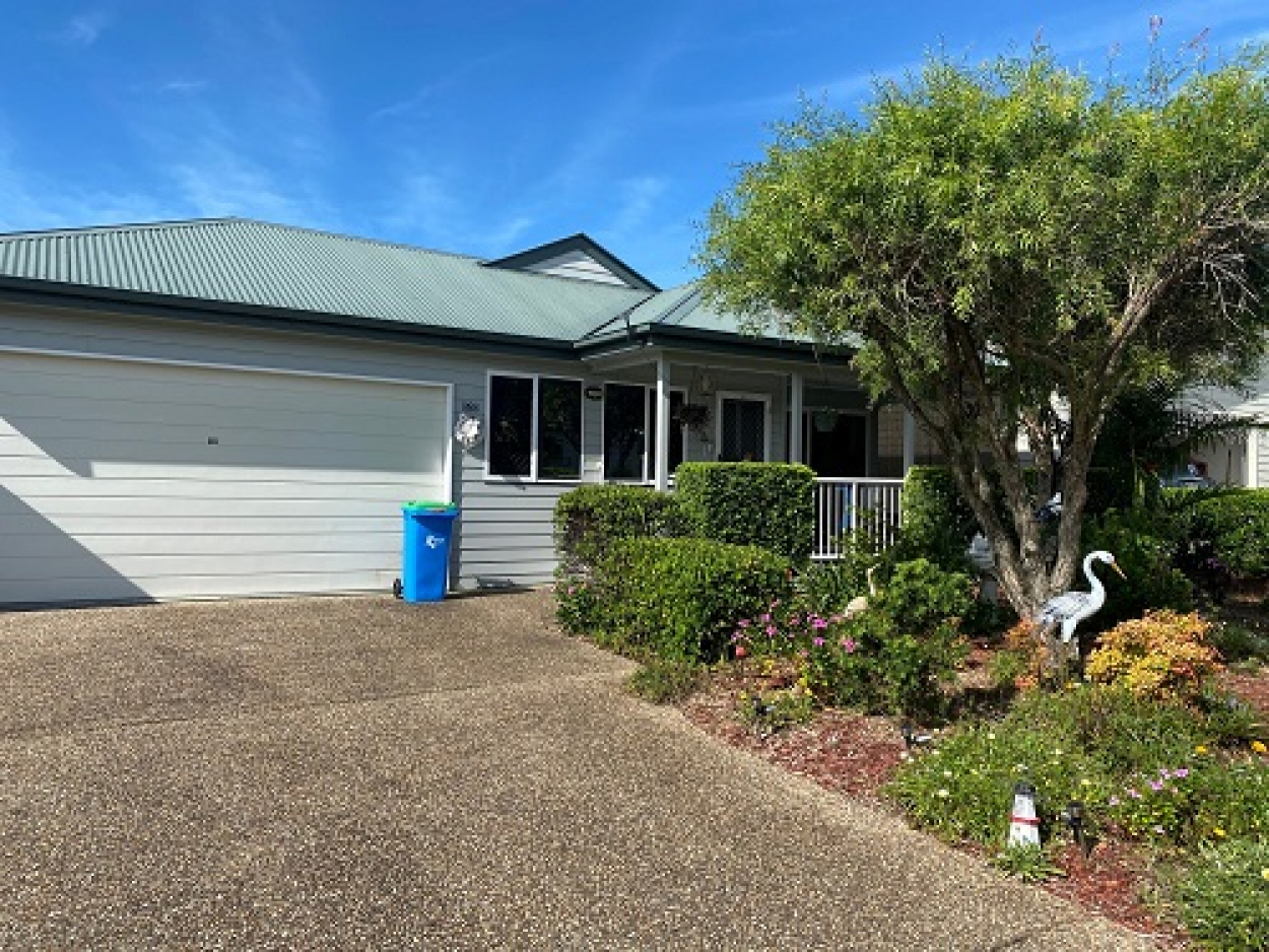Well presented 2 bed plus study in Palm Lake Resort, Eagleby