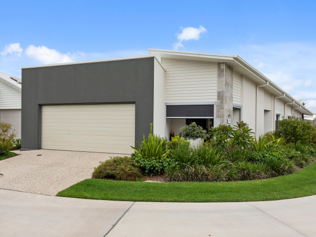 Halcyon Glades - Immaculately presented Showstopper