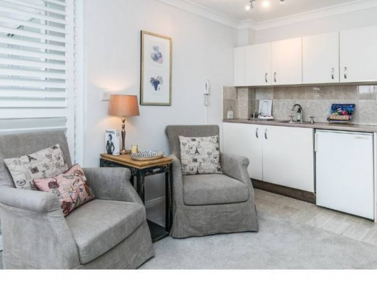 Charming Serviced Apartment