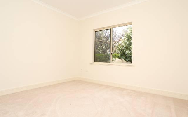 1 Bedroom Apartment $395,000