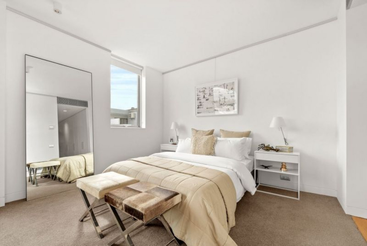 Luxurious 3 Bedroom Apartment Across The Road From Bondi Beach