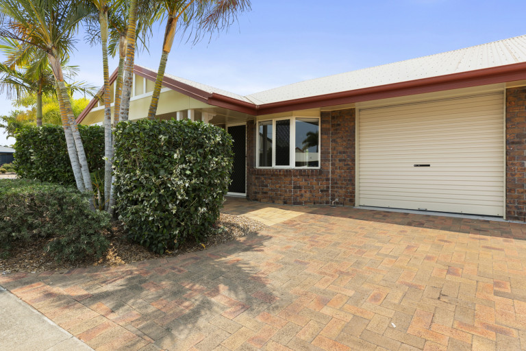 Newly renovated, open plan home - Fairways 67 - UNDER DEPOSIT