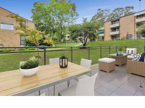 Rare find – 2-bed unit with large balcony in Castle Hill