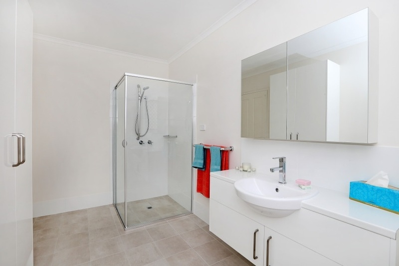 Large two bedroom, gorgeous private back courtyard, full refurbishment.