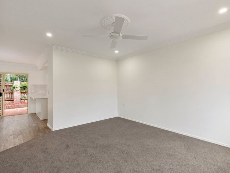 Relax in the peaceful lifestyle that this private, fully refurbished unit offers.