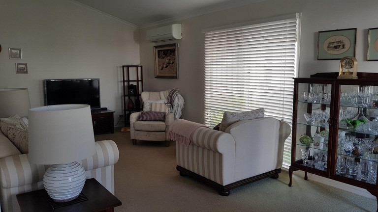 Pleasant two bedroom home in Palm Lake Resort, Eagleby