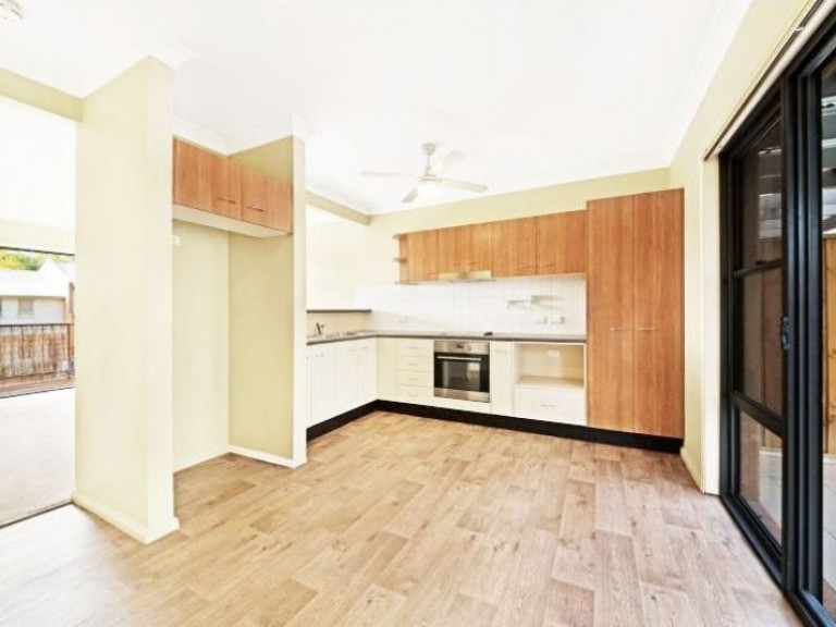 Centrally Positioned 2 Bed Townhouse