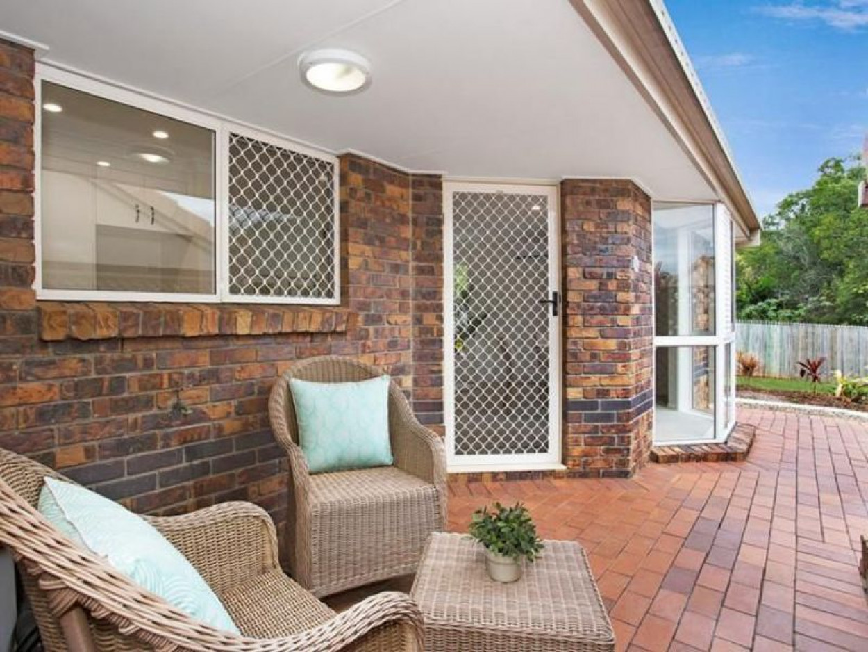 Independent living villa with private patio