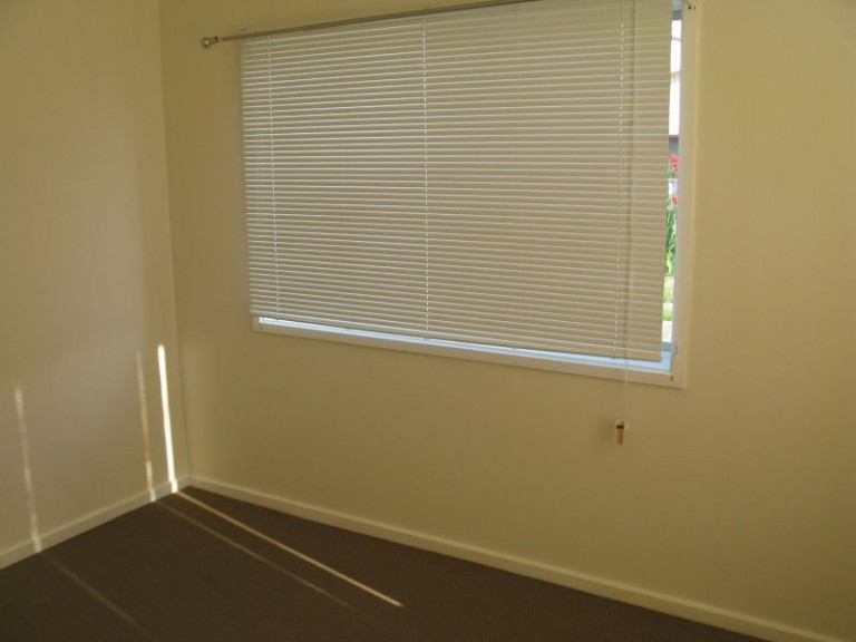 2 BEDROOM UNIT - PARKING AVAILABLE