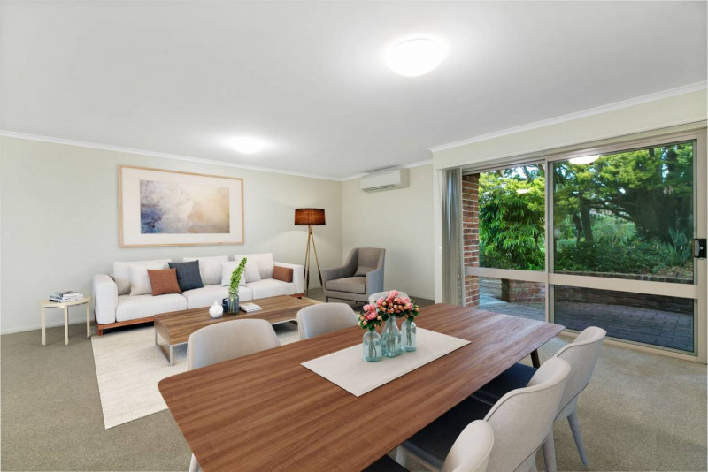 Coastal living in pristine Salamander Bay