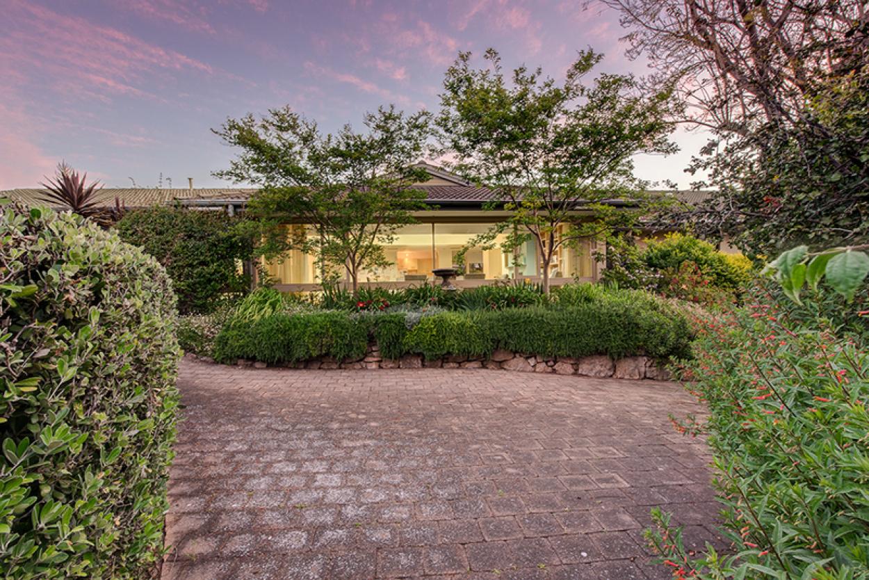 Spacious villa with gorgeous outdoor pergola area