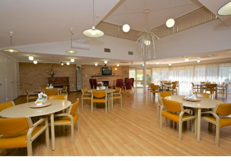 Thomas Scott Hostel is right next to Westfield Shopping Town in the south-eastern Perth suburb of Camillo.