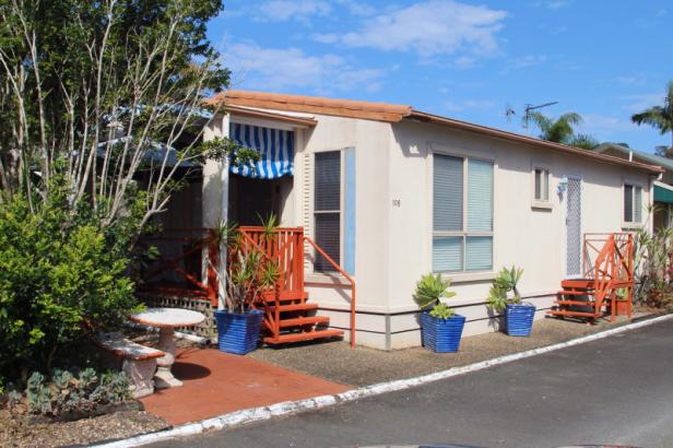The Palms Village - Over 50's 'Pet Friendly' lifestyle village