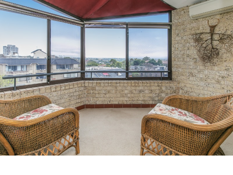 One Bedroom Independent Apartment with Fabulous Views
