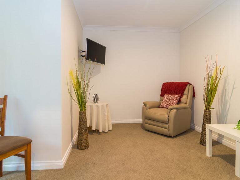 Luxury apartment in a wonderful retirement community!