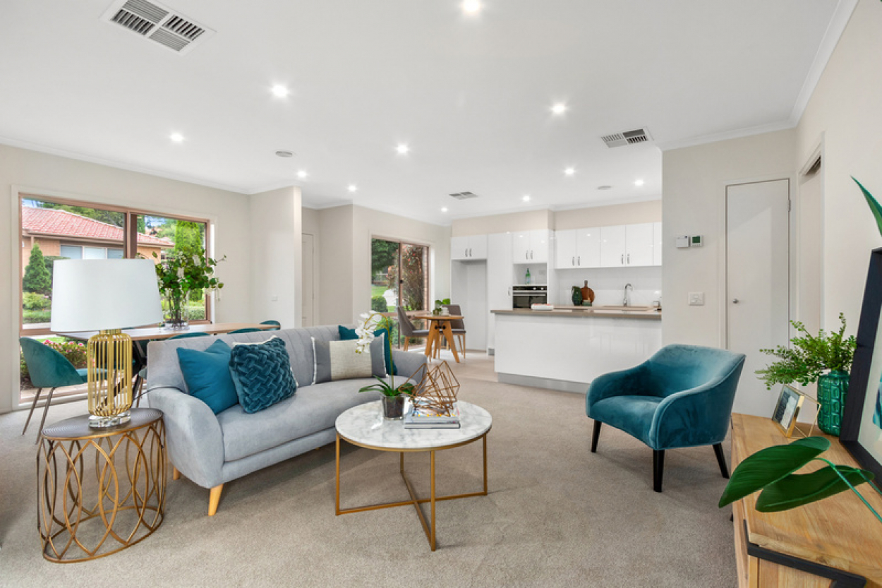 Beautiful unit with open plan living