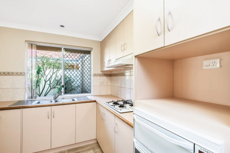 Street Front Villa in sought after location