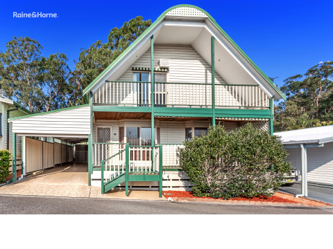 Downsize in one of a kind - Over 55's living in Seawinds Village