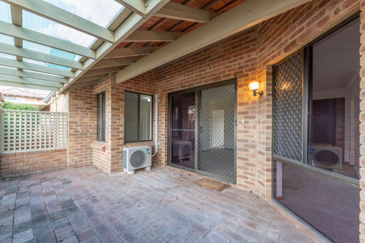 Well positioned freestanding villa close to clubhouse