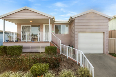 3 BEDROOM HOME NEAR THE LAKE. PRICE REDUCED!