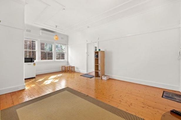 DEPOSIT TAKEN! Light & Airy One Bedroom Apartment! Furnished or Unfurnished.