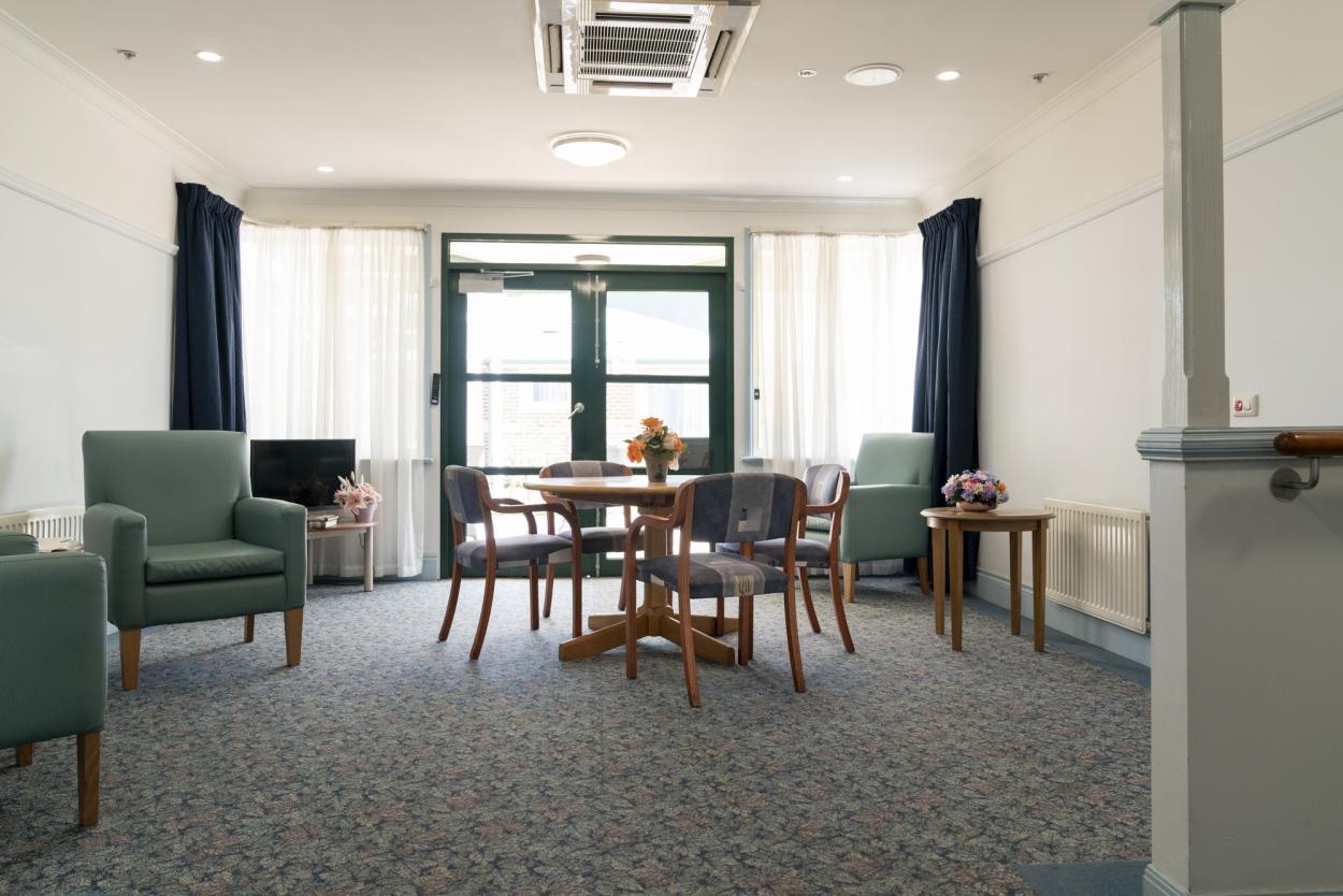 Regis Aged Care - Alawarra Lodge