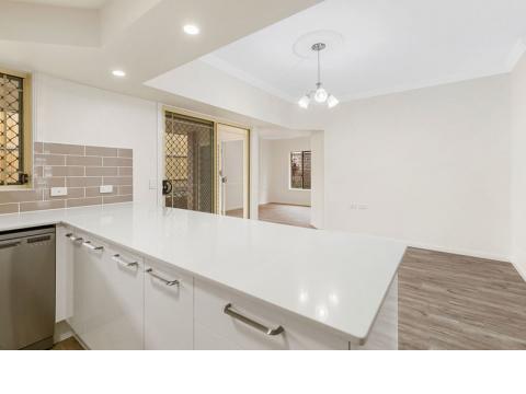 Enjoy retirement lifestyle in this stunning refurbished unit